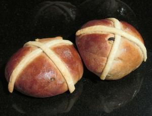 Kim's finished hot cross buns