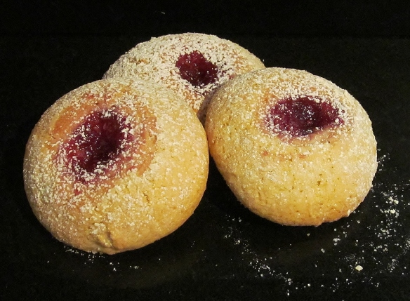 Mini Jammy Cakes