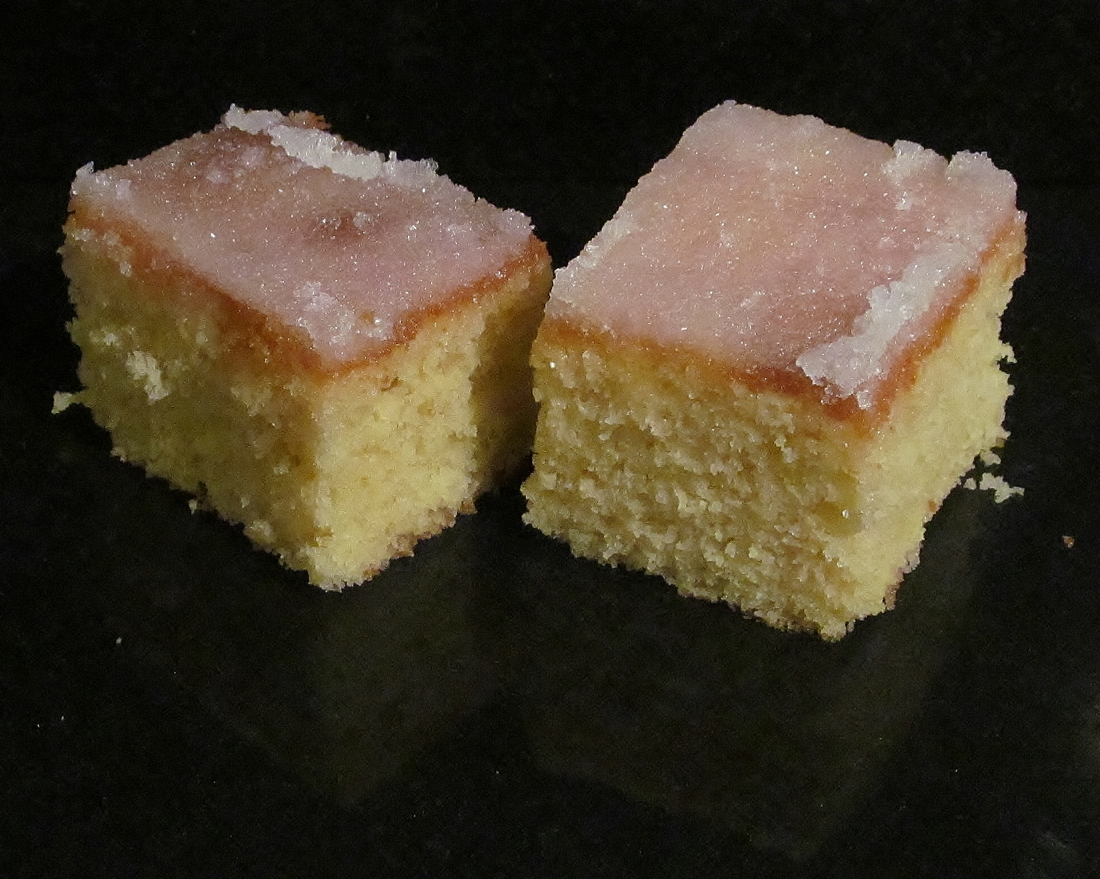 Mary Berry All In One Lemon Sponge Cake