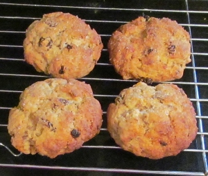 Kim's wholemeal sultana & apricot rock cakes